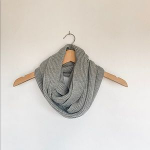 H&M Knit Infinity Scarf in Gray